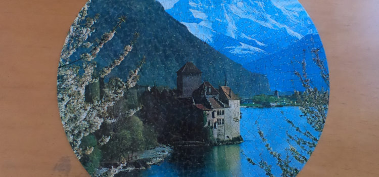 Round vintage puzzle, Castle of Chillon